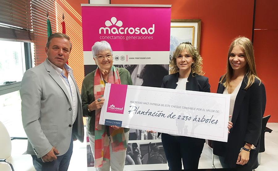 La cooperativa andaluza Macrosad plantará casi 7.000 árboles en 2018 mediante una iniciativa intergeneracional
