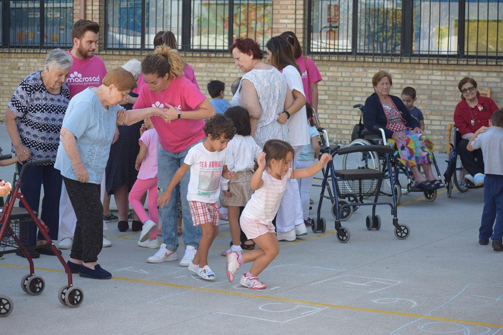Actividad intergeneracional Macrosad