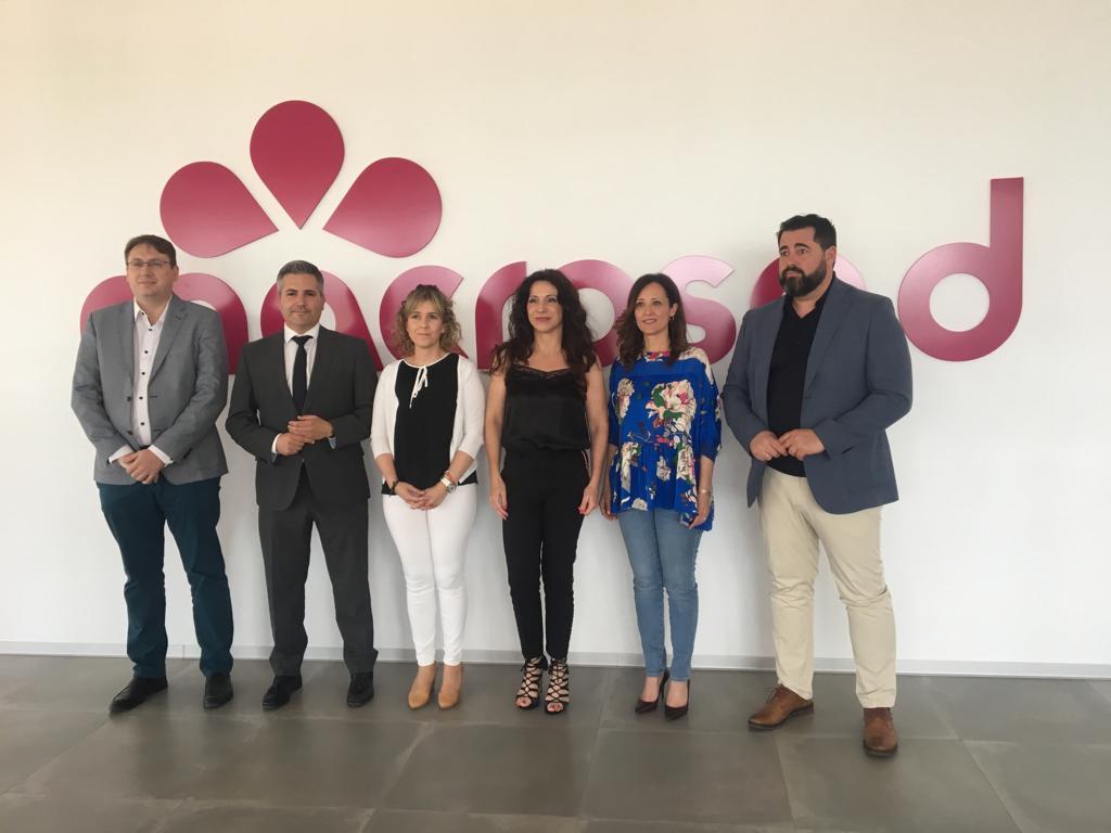Visita de la Consejera de Igualdad a la cooperativa Macrosad en Jaén